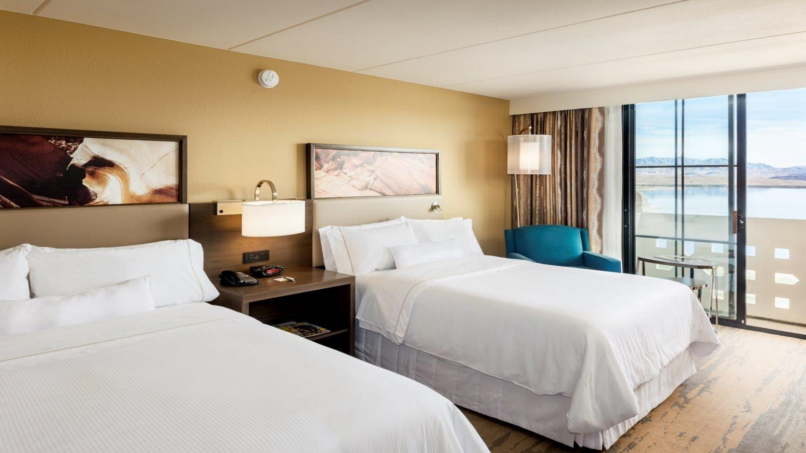 Hotels in Lake Las Vegas - deluxe room