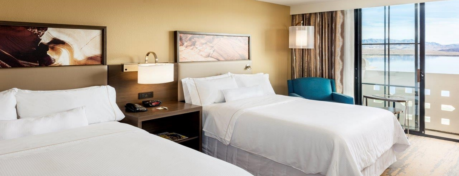 Hotels in Lake Las Vegas - Deluxe & Premiere Rooms